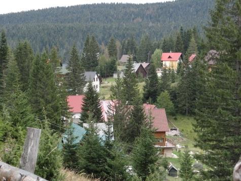Village de montagne dans le Parc du Durmitor
