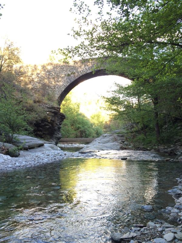 Vieux pont près de Saint Martin de Boubaux