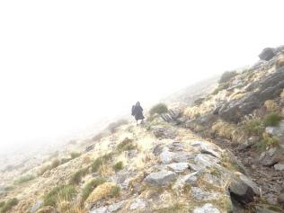 Vers le refuge dans le brouillard