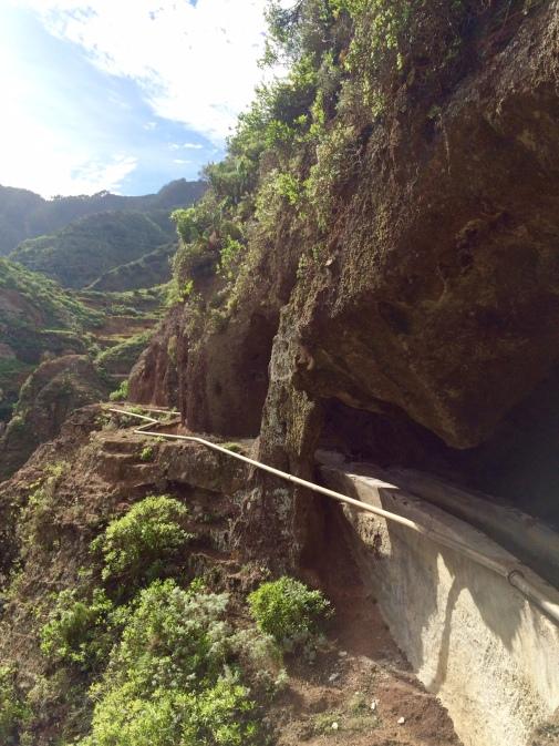 Le canal et ses tunnels