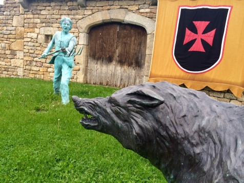 Statue de la bête à Le Malzieu-Ville
