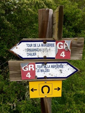 Panneaux indiquant un GR