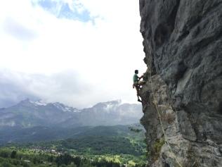 Escalade en falaise à Servoz