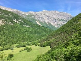 Vue sur les sommets et le Roc Cornafion