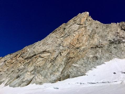 Vu sur la face menant au sommet de l'Aiguille d'Entrèves