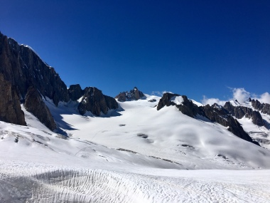 Vue sur le glacier en chemin vers le bivouac