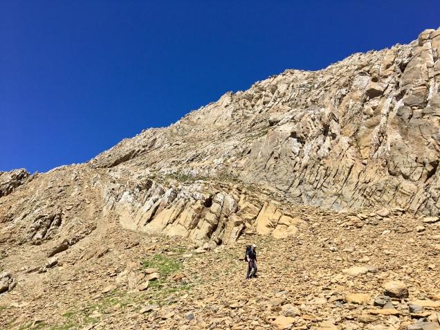 La vire rocheuse qui permet de descendre du Pic de Gabiétou