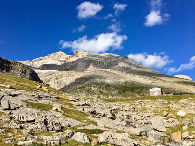 Vue sur le Mont-Perdu depuis notre bivouac près du refuge de Goris