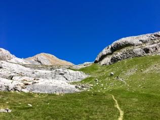 Vue sur le Pic de Gabiétou depuis Aguas Tuertras