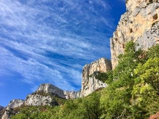 Les faces rocheuses du canyon