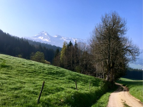 Vue sur les sommets enneigés avant Corrençon en Vercors