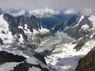 Vue sur la mer de glace depuis la Dent du Géant
