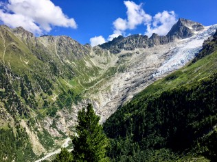 Vue sur le glacier du Trient et la fenêtre d'Arpette