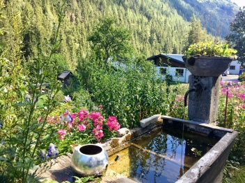Fontaine au village du Molard