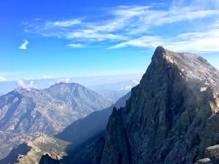 Vue sur le Monte Cinto depuis la Pointe des Éboulis (GR 20)
