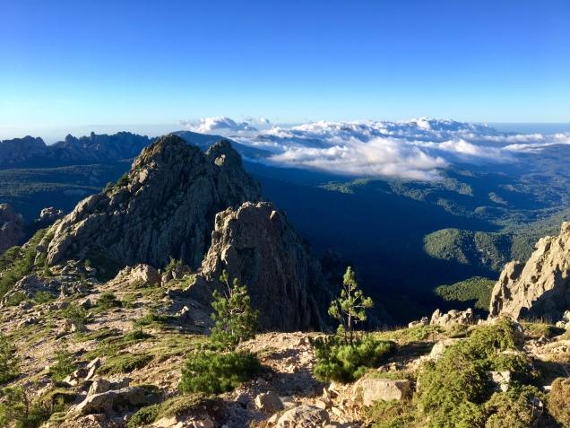 Les paysages sublimes des Aiguilles de Bavella variante alpine GR20)