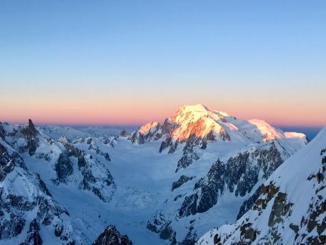 Le Mont Blanc au lever du jour depuis le couloir Whymper