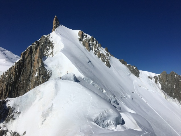 Vue sur le Mont Maudit depuis sont antécime