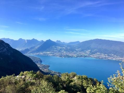 Vue sur le lac d'Annecy depuis le Mont Baron
