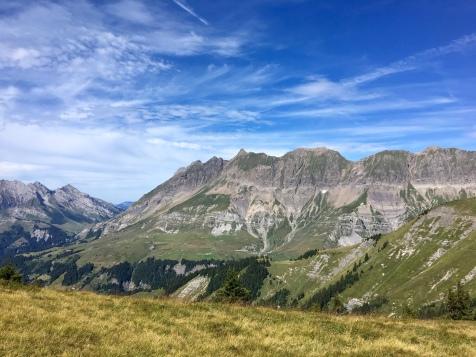 Vue sur le massif des Aravis depuis le Petit Croisse Baulet