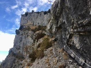 Sur la vire vertigineuse avant de remonter sur le plateau