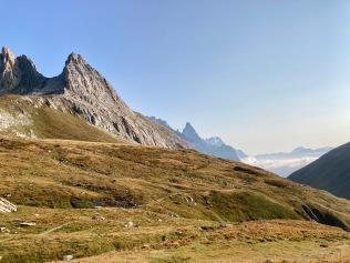 Sur le Tour du Mont Blanc - en descendant du col de la Seigne