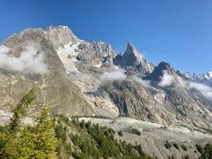 Sur le Tour du Mont Blanc - l'arête de Peuterey et le Mont Blanc de Courmayeur