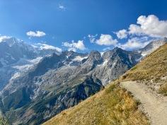 Sur le Tour du Mont Blanc - sur les balcons en direction de Courmayeur