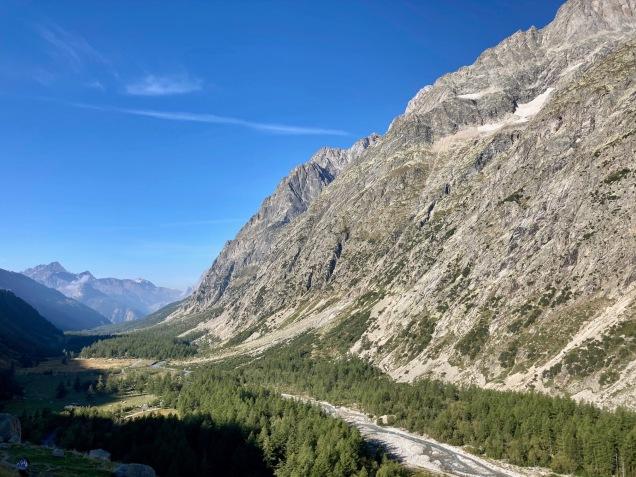 Sur le Tour du Mont Blanc - vue sur le Val Ferret