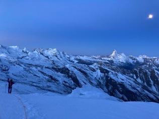 Vue sur le Cervin depuis le glacier à proximité de l'Alphubeljoch